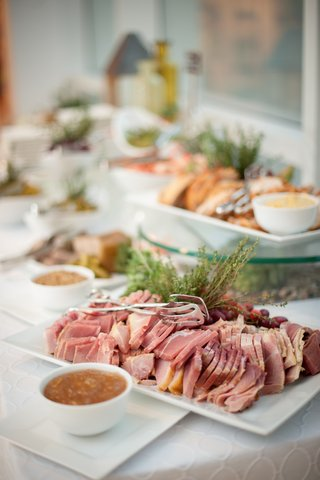 red-meat-in-bite-size-pieces-on-white-tray-at-wedding