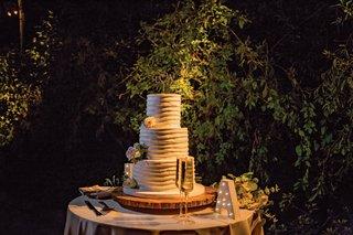 wedding-cake-three-layer-round-design-champagne-marquee-letter-outdoor-wedding-reception
