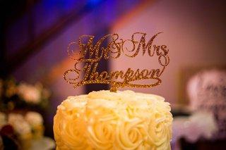 custom-mr-and-mrs-thompson-cake-topper-portland-oregon-wedding-gold-sparkly-calligraphy