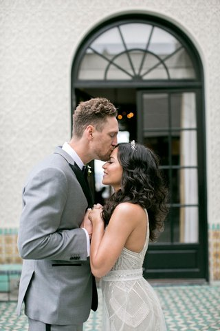 hunter-pence-alexis-cozombolidis-on-their-wedding-day-featured-in-the-summer-2017-issue-of-insid