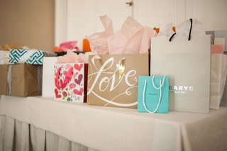 the-peninsula-beverly-hills-bridal-shower-with-tiffany-co-and-gearys-gifts