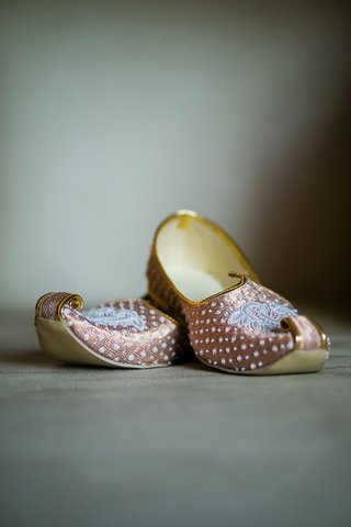intricately-designed-wedding-slippers-bride-groom-indian-hindu-wedding-traditional-silk