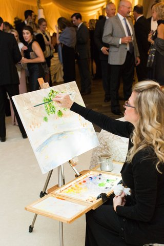 live-painter-wedding-reception-painting-on-canvas-of-reception-dance-floor-decor-design