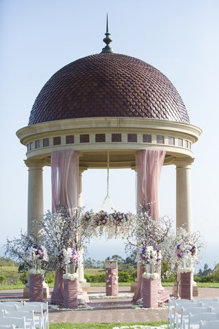 resort-at-pelican-hill-rotunda-with-floral-chandelie