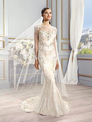 val-stefani-nia-bridal-gown