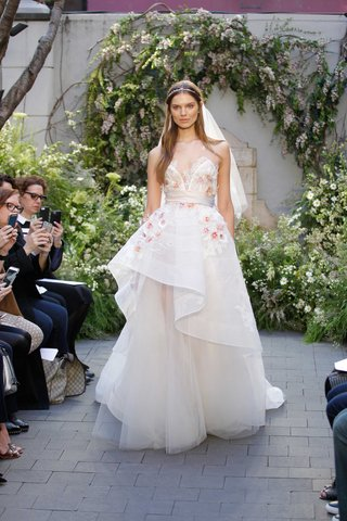 monique-lhuillier-blossom-illusion-v-neck-wedding-dress-high-low-ball-gown-detail-horsehair-trim