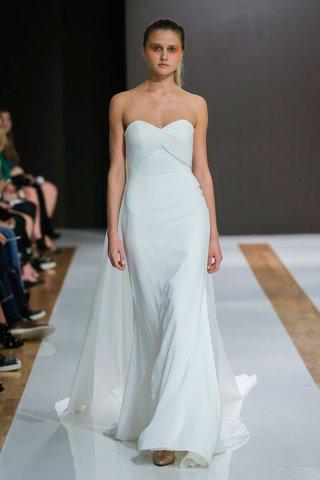mark-zunino-spring-2018-wedding-dress-strapless-bridal-gown-sweetheart-neckline-fabric-bust-train