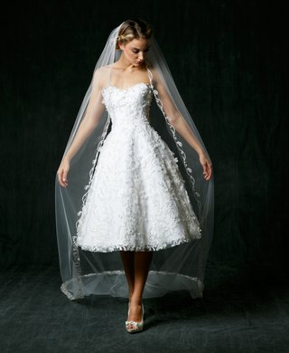 sareh-nouri-fall-2017-wedding-dress-olivia-short-strapless-gown-sweetheart-neck-3d-lace-details-veil