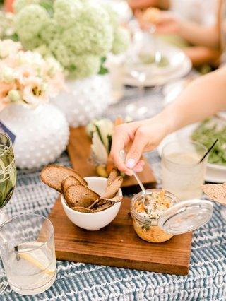 bridal-shower-boho-chic-batik-linens-nuage-designs-wood-platter-bread-chips-with-dip-in-jar-cocktail