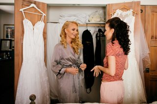 sisters-two-brides-bride-getting-ready-for-double-wedding