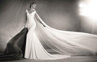 atelier-pronovias-2017-elia-wedding-dress-with-v-neck-short-sleeves-with-jewels-black-and-white