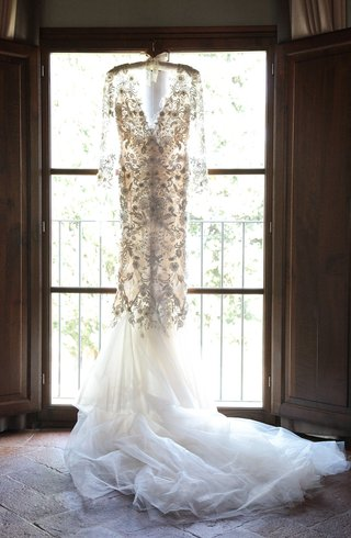 marchesa-wedding-dress-long-sleeves-v-neck-mermaid-floral-appliques-tulle-train