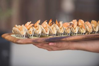 minishrimp-taco-grilled-pineapple-salsa-chipotle-crema-in-taco-holders-wood-tray-for-cocktail-hour