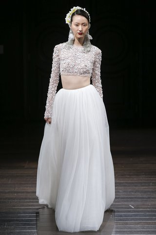 naeem-khan-fall-2018-two-piece-wedding-dress-with-floral-embroidered-crop-top-with-tulle-skirt