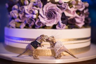 unique-gold-dinosaur-cake-toppers
