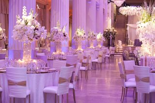 marble-column-wedding-venue-with-white-and-gold-decorations