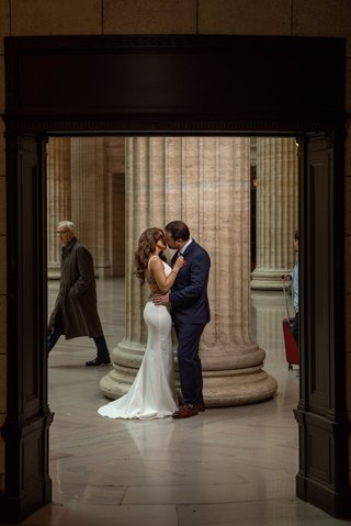 union-station-chicago-engagement-session