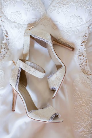 lace-wedding-shoes-with-ankle-strap-heidi-mueller-wedding-attire