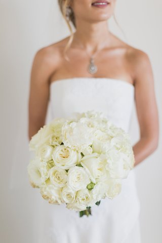 bridal-bouquet-with-ivory-garden-roses-classic-bridal-bouquet-bridal-bouquet-inspiration