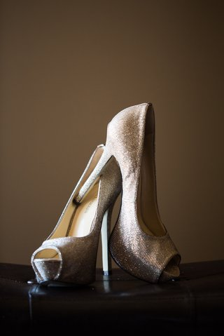peep-toe-wedding-heels-with-silver-and-gold-color