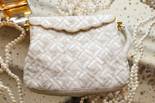 beaded-white-purse-with-gold-scallop-edges-and-gold-hardware-pearls