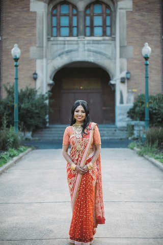 south-asian-bride-in-bangladesh-lehenga-and-sari