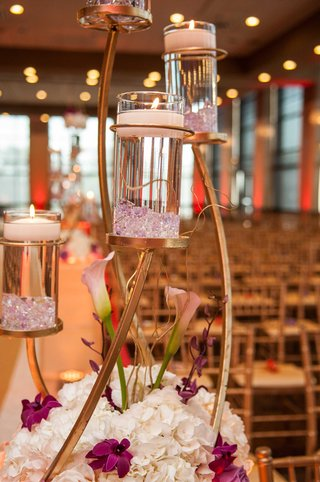 ceremony-decor-with-floating-candles-lavender-calla-lilies-white-hydrangeas