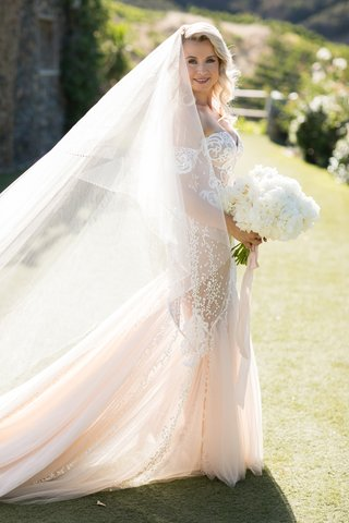 bride-in-pallas-couture-with-large-two-layered-cathedral-veil