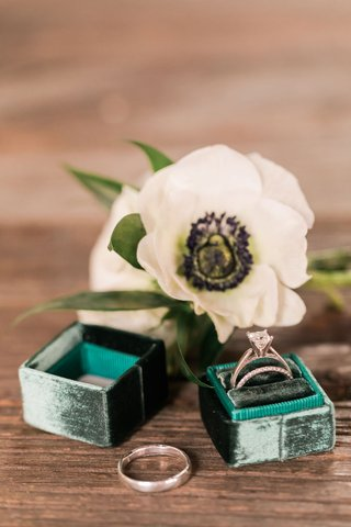 emerald-green-ring-box-with-engagement-rings