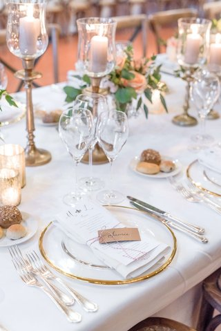 wedding-reception-gold-rim-charger-plate-kraft-paper-place-card-red-white-string-bread-plate
