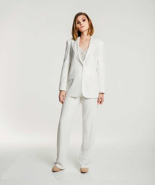 olia-zavozina-fall-2017-bridal-collection-leah-white-pantsuit-top-with-tuxedo-jacket-and-pants