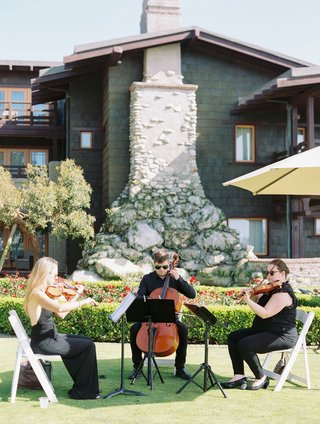 wedding-ceremony-outdoor-at-the-lodge-at-torrey-pines-live-musicians-string-instruments