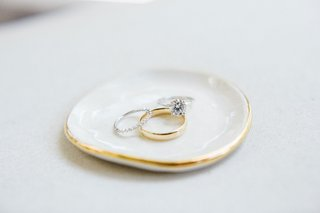 wedding-engagement-ring-solitaire-diamond-from-jeweler-father-of-bride-went-to-before-he-died-gold