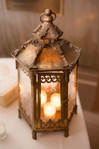 wedding-decoration-brass-lantern-with-tea-lights