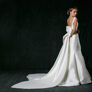 sareh-nouri-fall-2017-wedding-dress-naomi-trumpet-gown-mikado-silk-boat-neck-low-back-detachable-bow