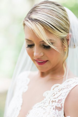 bridal-makeup-with-magenta-lipstick-full-lashes-and-a-soft-smokey-eye