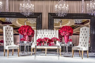 indian-wedding-reception-seating-for-newlyweds