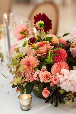 wedding-reception-centerpiece-pink-burgundy-dahlia-flowers-roses-greenery-hydrangea
