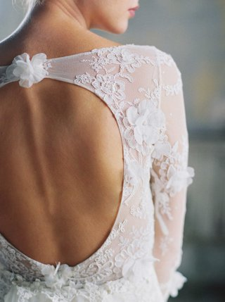 romantique-by-claire-pettibone-back-of-wedding-dress-with-keyhole-back-and-long-sleeves