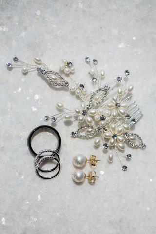 bridal-headpiece-hair-accessory-with-pearls-and-crystals