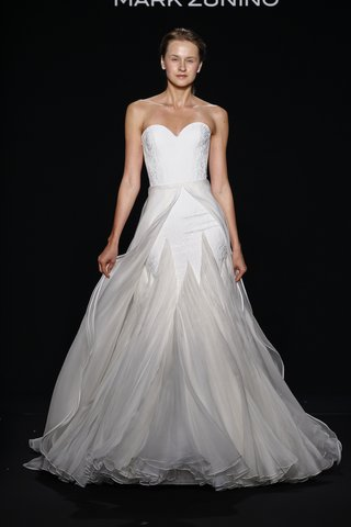 mark-zunino-for-kleinfeld-2016-strapless-wedding-dress-with-layered-organza-skirt