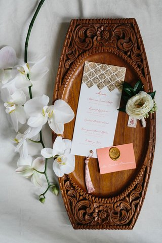 wedding-menu-and-place-card-moroccan-inspired-styled-shoot-pink-place-card-gold-wax-seal-gold-foil