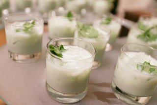 winter-wedding-reception-table-with-milky-mint-cocktails-topped-with-mint