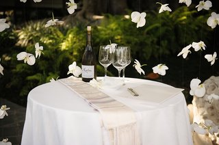 interfaith-wedding-table-with-wine-and-wine-glasses-jewish-and-christian-traditions