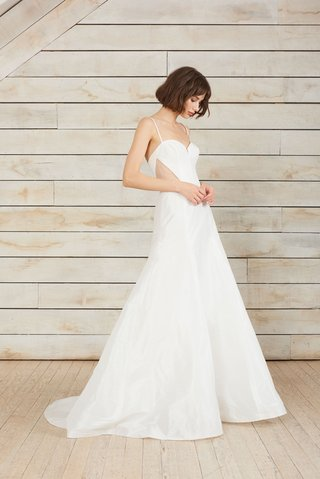 aira-by-nouvelle-amsale-spring-2018-strapless-crepe-gown-with-charmeuse-trim-and-bow-detail