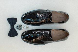 wedding-photo-detail-shots-groom-dress-shoes-watch-black-bow-tie