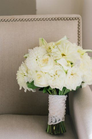 white-wedding-bouquet-dahlia-rose-calla-lily-wrapped-with-lace