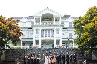 estate-wedding-outdoor-ceremony-in-front-of-estate