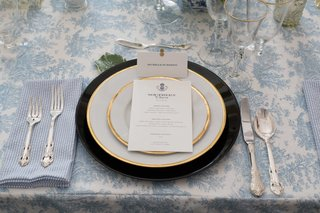 southern-inspired-wedding-blue-and-white-decor-gold-rimmed-tableware