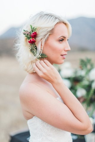 natural-floral-hair-accessory-leaves-red-headpiece-boho-rustic-california-bride-wedding